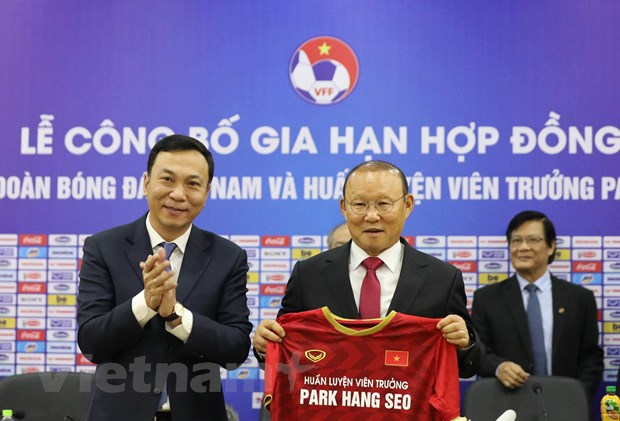 hlv park hang seo chua bi giam luong du vff bat dau that chat chi tieu