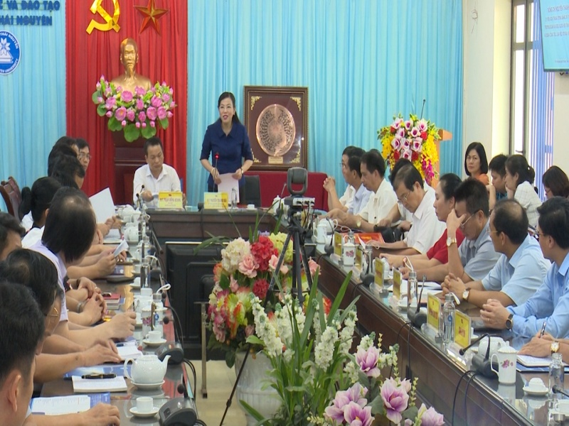 dong chi bi thu tinh uy lam viec voi ban thuong vu dai hoc thai nguyen