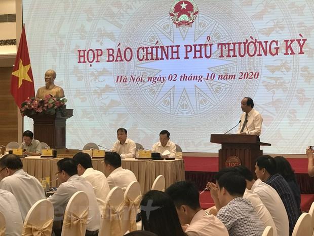 """""""Kinh tế Việt Nam đã vượt qua đáy chữ V và đang dần phục hồi"""""""