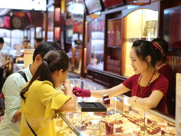 Giảm nhẹ, giá vàng SJC vẫn cao hơn thế giới 790.000 đồng mỗi lượng