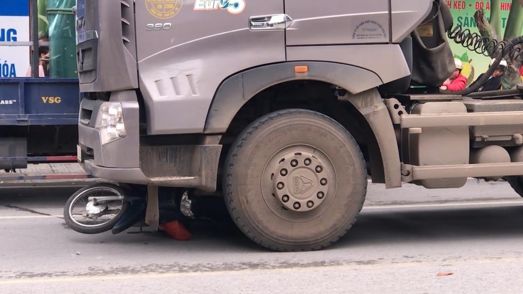Nhiều xe trọng tải lớn vẫn đi vào đường cấm qua thành phố Thái Nguyên