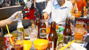 tiep can ruou bia o viet nam de dang nhat the gioi