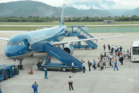 vietnam airlines phai canh tranh voi hang khong gia re
