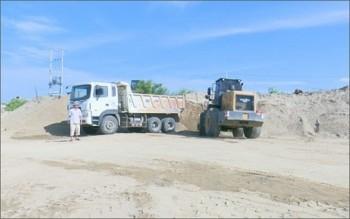 Ninh Thuận gia tăng tình trạng khai thác cát trái phép trên sông Dinh