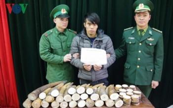 bat giu doi tuong van chuyen 51kg nga voi