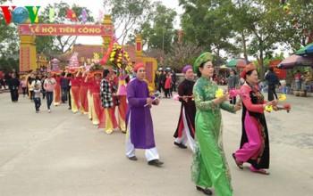 Độc đáo lễ rước người có một không hai tại Quảng Ninh