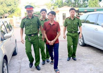 tron thue mot giam doc doanh nghiep linh an