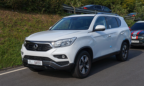 ssangyong g4 rexton gia 145 ty thach thuc toyota fortuner