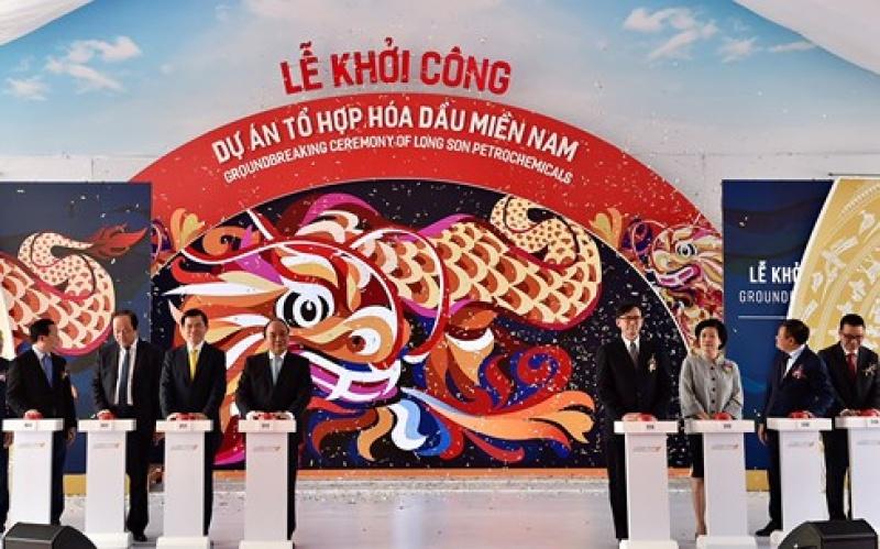 thu tuong phat lenh khoi cong du an to hop hoa dau mien nam