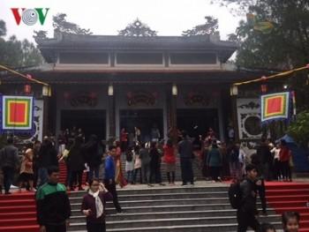 Tưng bừng ngày khai hội Đền Huyền Trân tại Thừa Thiên-Huế