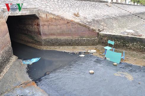 Ô nhiễm môi trường vịnh Hạ Long: Cần sự vào cuộc từ nhiều phía