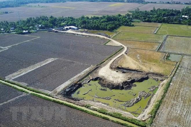 Tái diễn tình trạng khai thác, bán đất mặt trái phép ở Cà Mau