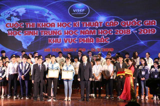 """Phụ huynh """"tố"""" một số đề tài đoạt giải nhất cuộc thi Khoa học kỹ thuật quốc gia có vấn đề!"""