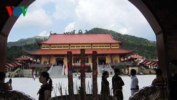 """Sáng nay (26/3), Uông Bí tổ chức họp báo vụ """"thỉnh vong"""" ở chùa Ba Vàng"""