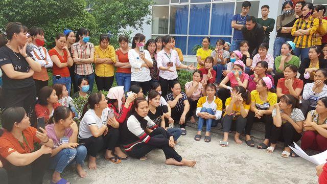 hon 1200 cong nhan bo an tap the vi nghi nha bep dung thuc pham ban