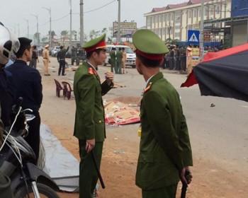 Xe khách đâm đoàn người đưa tang, ít nhất 4 người tử vong