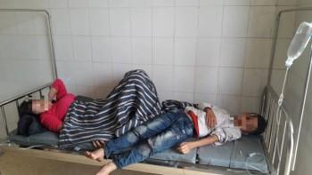 Vụ hàng chục người dân nhập viện sau đám giỗ: Nghi do thức ăn bị nhiễm vi khuẩn Salmonella