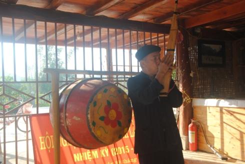 het cha le hoi dam net van hoa tam linh cua nguoi thai trang moc chau