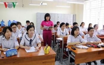 Kỳ thi THPT Quốc gia: Thầy trò căng thẳng vì quá tải kiến thức