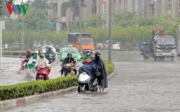 Dự báo thời tiết ngày 17/4: Bắc Bộ nhiều nơi có mưa dông kèm gió lốc