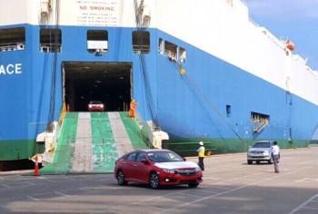Đã qua thời đỉnh cao của xe nhập khẩu: Cả tháng chỉ có hơn 2.800 chiếc vào Việt Nam