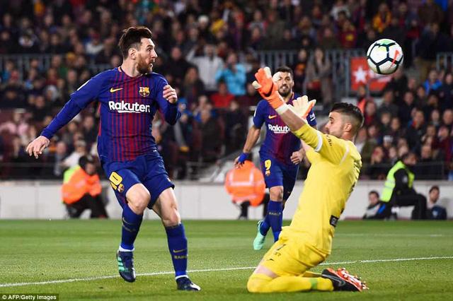 messi lap hattrick barcelona tien gan ngoi vo dich la liga