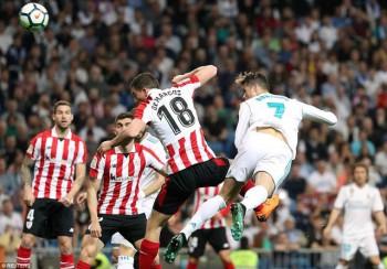 """C.Ronaldo đánh gót ghi bàn, Real Madrid """"hút chết"""" trước Bilbao"""