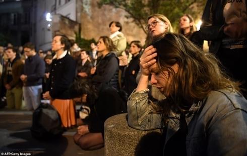Cháy nhà thờ Đức Bà ở Pháp: Trái tim Paris bị tổn thương