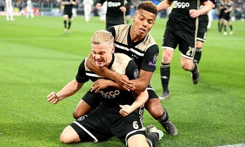 HLV Ajax: 'Chúng tôi tự phá giới hạn bản thân'