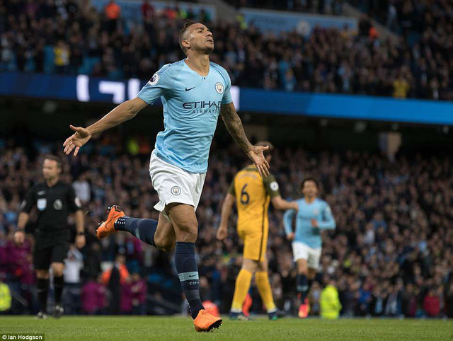 man city xo do 3 ky luc vi dai o premier league