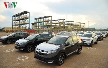 Xe ô tô nhập khẩu sụt giảm hơn 50% trong tuần qua