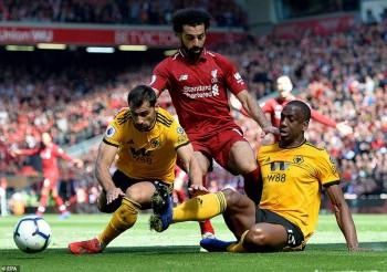 Liverpool cúi đầu trước Man City: Gã khổng lồ và giấc ngủ 29 năm