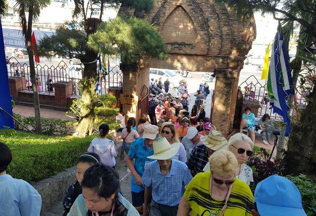 khanh hoa khach luu tru quoc te tang manh trong 4 thang dau nam