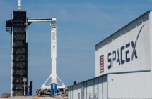 spacex phong 60 ve tinh tham vong phu song internet toan cau