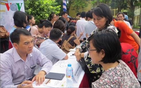 Lãnh đạo ngành giáo dục Gia Lai đối thoại với học sinh THPT