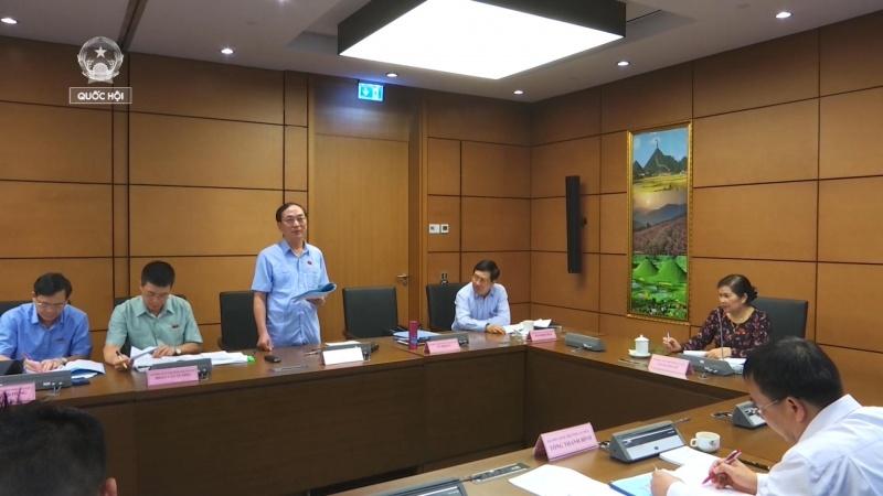 Đại biểu Quốc hội tỉnh Thái Nguyên thảo luận tổ tại Kỳ họp thứ 5, Quốc hội khóa XIV