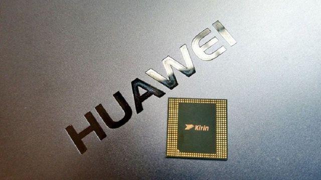 """Thêm một hãng CN Mỹ ngừng hợp tác, Huawei tan """"giấc mộng"""" tự"""