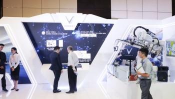 Việt Nam hội nhập CMCN 4.0: Tự sản xuất ô tô, robot, vệ tinh nhân tạo