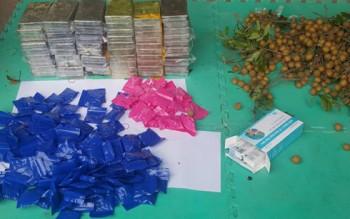 trinh sat don long chuyen hang 59 banh heroin va 36000 vien ma tuy