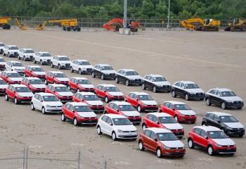 Xe nhập khẩu từ ASEAN đều đặn vào Việt Nam, người tiêu dùng mòn mỏi đợi xe giá rẻ