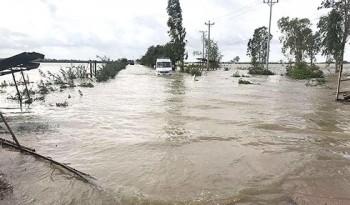 Lũ lụt hoành hành trên diện rộng tại Campuchia