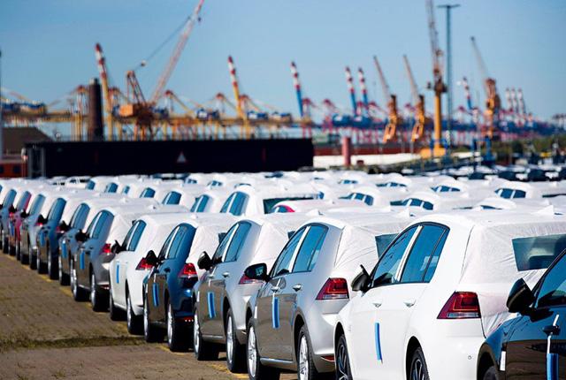 """Hàng vạn ô tô thuế 0% tràn về: Hàng nhập giá """"ngon"""", xe nội gặp khó"""