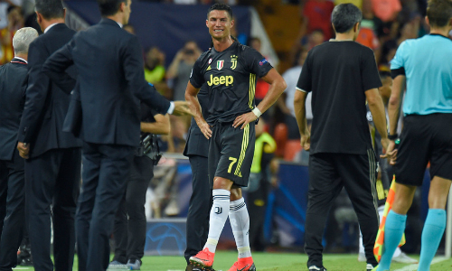 ronaldo bi treo gio mot tran sau the do o champions league