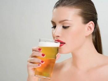6 sai lam khi uong ruou bia