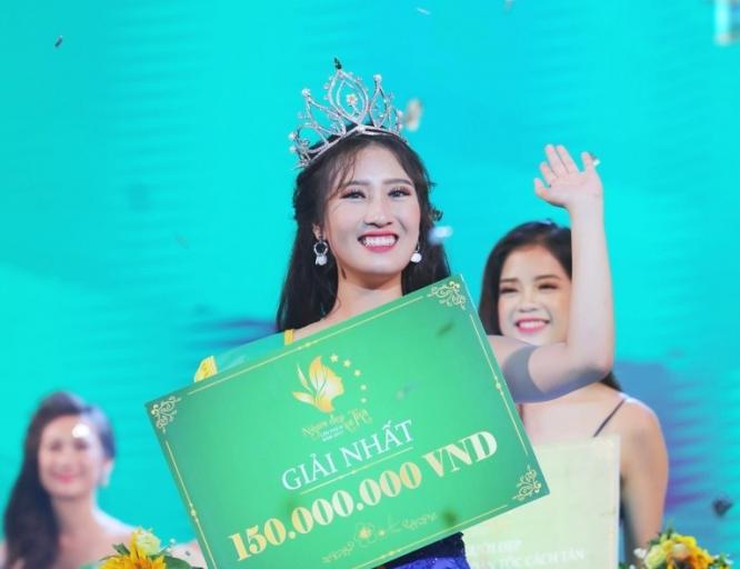"""Nguyễn Dương Tiểu Vy đăng quang """"Người đẹp xứ Trà"""" lần thứ IV năm 2017"""