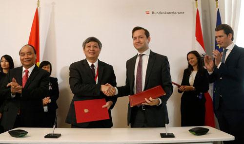 Việt Nam - Áo ký văn bản gia hạn hợp tác nghiên cứu khoa học