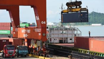 """Tăng trưởng kinh tế của Trung Quốc """"ngấm đòn"""" chiến tranh thương mại"""