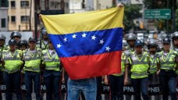 chinh phu venezuela phan doi lenh trung phat cua eu