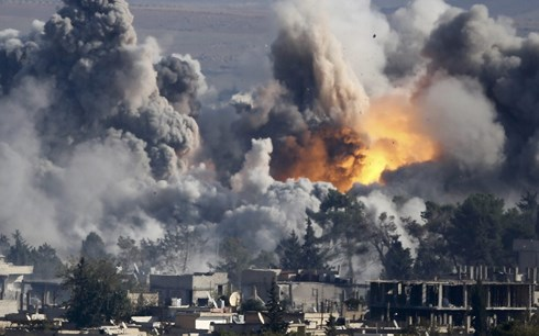 khong kich nham vao khu cho o syria 29 nguoi thiet mang