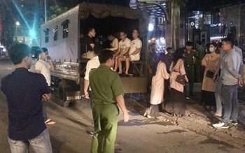 Cảnh sát đột kích nhà hàng ở Sài Gòn, tạm giữ hơn 70 người